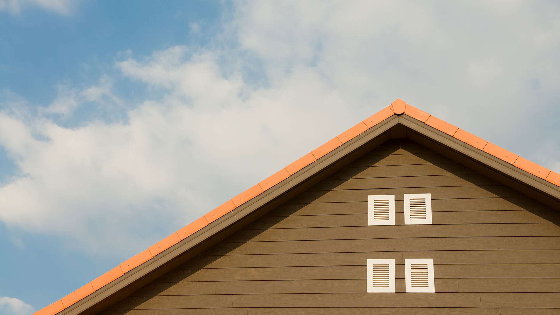 An energy efficient home with energy efficient siding.